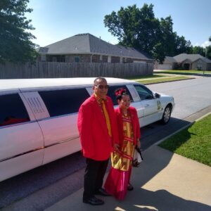 Anniversary-Couple-with-LCW-Limo
